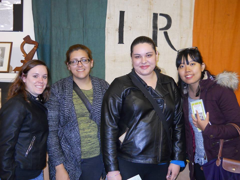 Illinois Tech students visit Belfast while studying abroad in Scotland.